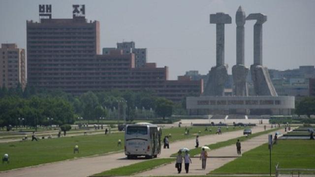 وفد روسي يزور كوريا الشمالية ويسلم بيونغ يانغ 50 سيارة للإطفاء