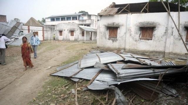 مقتل 9 في عاصفة قوية شمال بنغلادش
