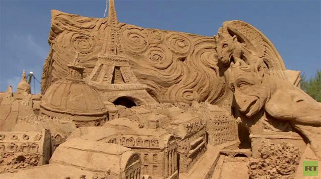 بالفيديو.. مدن من الرمل في محمية كولومينسكويه في موسكو