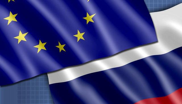 المفوضية الأوروبية: مجلس أوروبا قد يتخذ الاثنين قرارا بشأن عقوبات فردية فقط ضد روسيا
