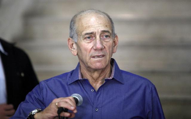 الادعاء العام الإسرائيلي يطالب بسجن رئيس الوزراء الاسبق ايهود أولمرت