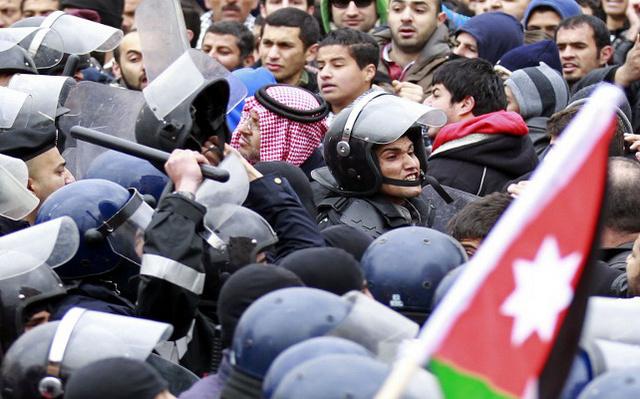 الأمن الأردني يعتقل مشتبها بهم بعد اضطرابات في بلدة معان