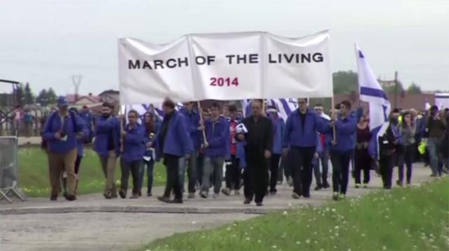 نحو 10 آلاف يهودي يشاركون في مسيرة لإحياء ذكرى ضحايا الهولوكوست في بولندا (فيديو)