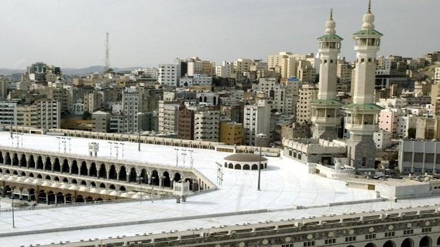 عشر سنوات سجن عقوبة قراصنة الإنترنت في السعودية حسب القانون الجديد