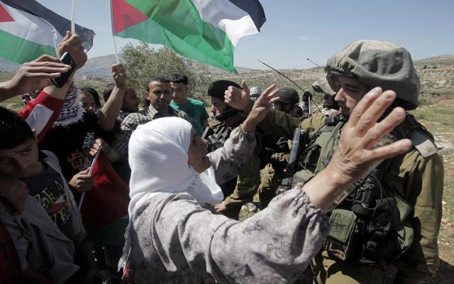 السلطات الإسرائيلية تهدم مسجدا ومساكن شرق نابلس