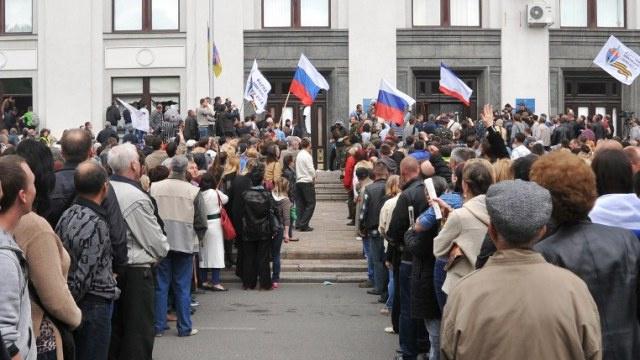أنصار الفدرالية يسيطرون على مبان إدارية في شرق أوكرانيا