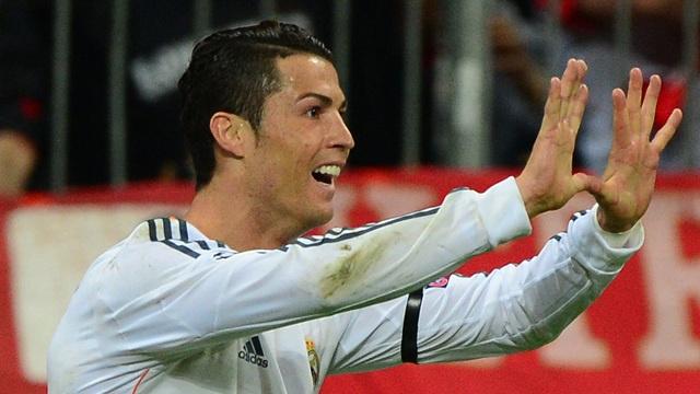 بالفيديو.. ماذا تعني إشارة رونالدو بعد تسجيله الهدف الثالث للريال ؟؟