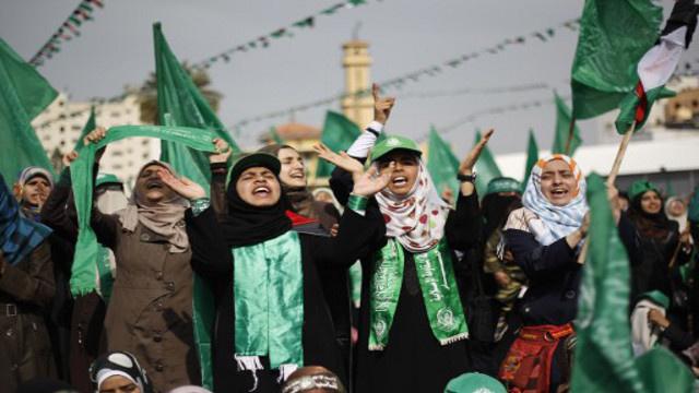 إسرائيل تسلم رفات قياديين اثنين من حركة حماس قتلتهما عام 1998