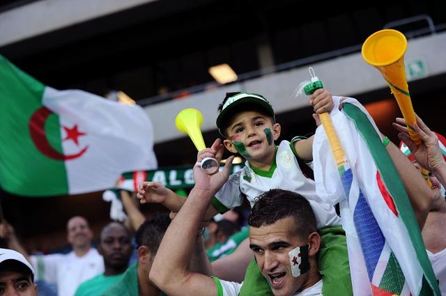 الجزائر تعمل جاهدة لإيصال مشجعيها لمقاعد كأس العالم