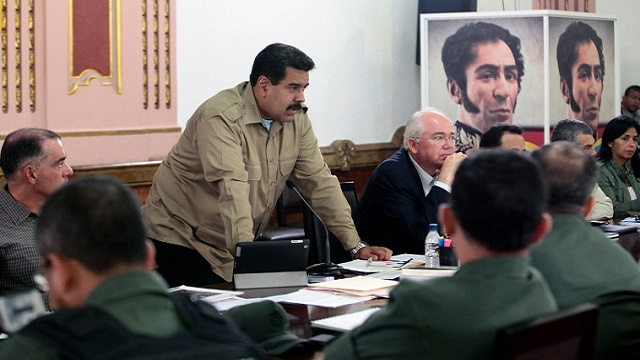الرئيس الفنزويلي يوافق على المفاوضات مع المعارضة