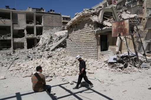 آموس: المساعدات الانسانية لا تصل الا لـ12% من السوريين المحاصرين