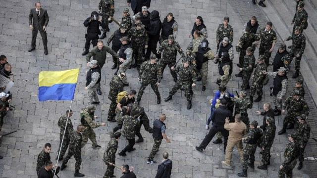 كييف تعلن الملحق العسكري بالسفارة الروسية لديها شخصا غير مرغوب به