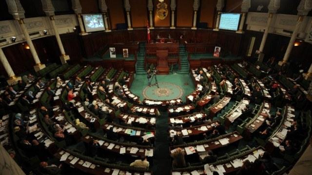 البرلمان التونسي يخفق في عزل رموز النظام السابق