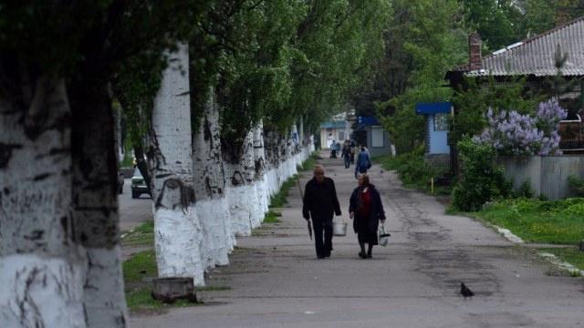 محادثات بين نشطاء سلافيانسك والسلطات في كييف للإفراج عن مراقبي منظمة الأمن والتعاون في أوروبا
