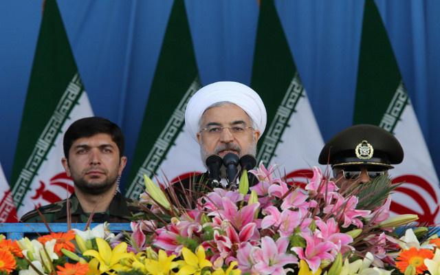 روحاني: الحكومة عازمة على انهاء الحظر المفروض على إيران