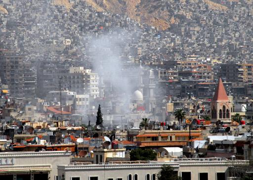 ناشطون: مقتل 33 شخصا في غارة للطيران السوري على سوق بحلب