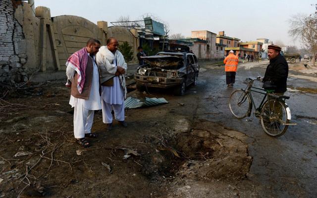 مقتل 13 شخصا في هجوم انتحاري لطالبان في أفغانستان
