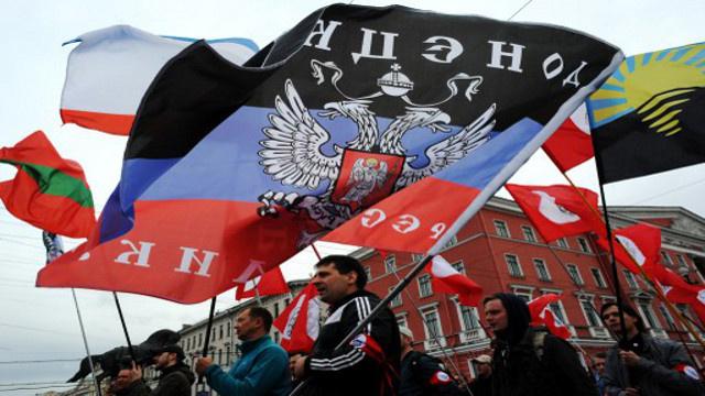 حكومة كييف تتخذ القوة منهجا للقضاء على حراك الشرق وموسكو تحذر من كارثة