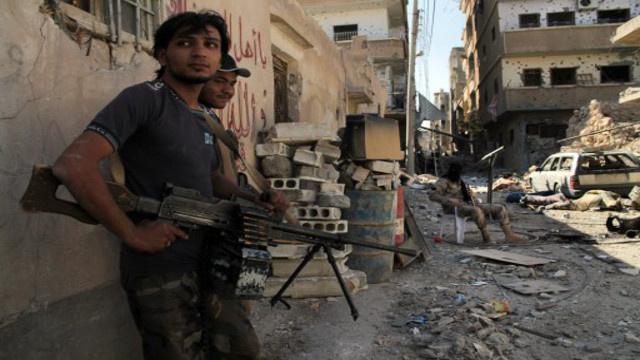 محافظ حمص: نقترب من اتفاق نهائي لخروج المسلحين
