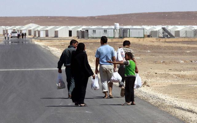 نزوح 60 ألف سوري بسبب القتال بين النصرة وداعش في دير الزور