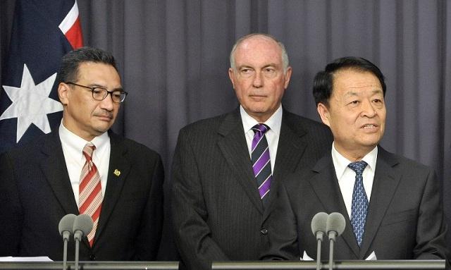 ممثلو أستراليا وماليزيا والصين يضعون خطة لعمليات البحث عن المفقودة