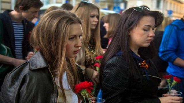 مسيرة حاشدة قرب الكرملين في موسكو تنديداً بمقتل المدنيين في أوكرانيا