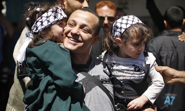 حماس تفرج عن 6 سجناء من فتح في إطار اتفاق المصالحة الفلسطينية