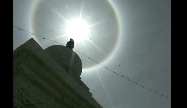 بالفيديو.. هالة شمسية في سماء لاسا عاصمة التبت