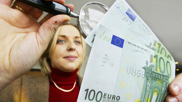 الاتحاد الأوروبي يعزز تدابير مكافحة تزوير العملات