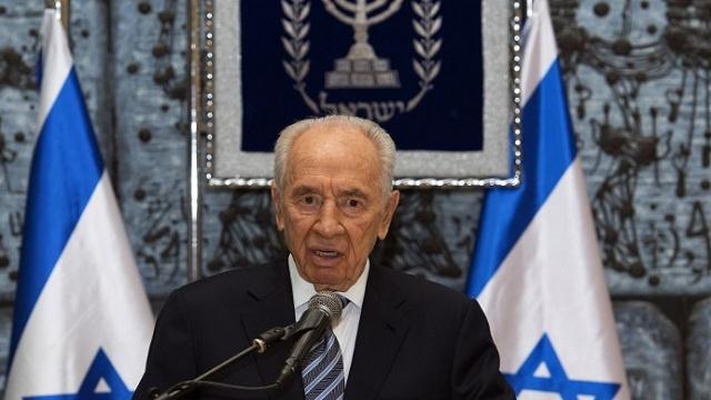بيريز يتهم نتانياهو بعرقلة التوصل إلى اتفاق سلام عام 2011