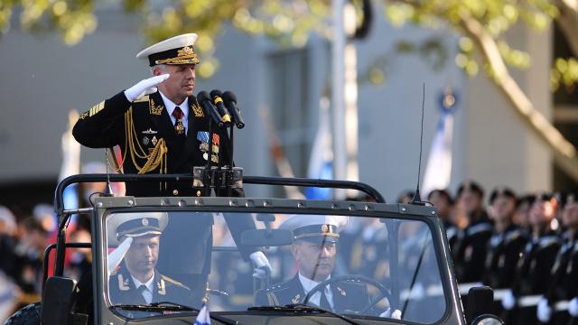 مدينة سيفاستوبل تشهد بروفة أخيرة للاستعراض العسكري بمناسبة عيد النصر (فيديو)