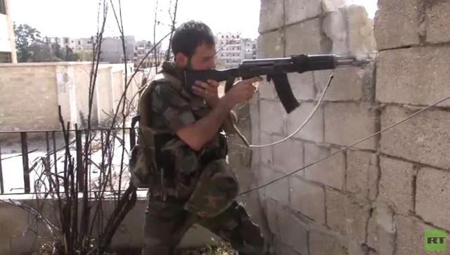 الجيش السوري يتقدم في حلب والاشتباكات تصل حي الراموسة