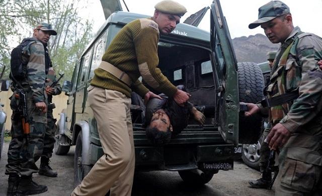 مقتل 8 جنود باكستانيين في انفجار قنبلة شمال وزيرستان
