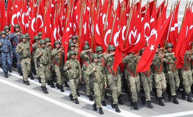 السلطات التركية تطالب بالمؤبد لـ 13 عسكريا بتهمة التجسس على الإستخبارات