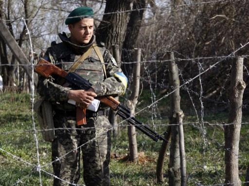 روسيا تسحب قواتها من المناطق الحدودية مع أوكرنيا والأخيرة تنشر 15 ألف جندي على الحدود مع روسيا