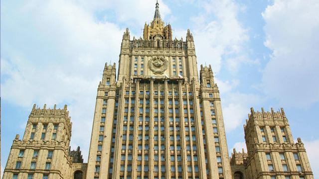 الخارجية الروسية تصف راسموسن بالأعمى بعد تشكيكه بانسحاب القوات الروسية من الحدود مع أوكرانيا