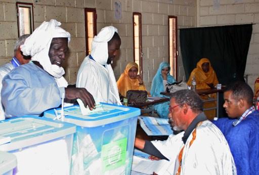 الرئيس الموريتاني و6 مرشحين بينهم امرأة يتنافسون في الانتخابات الرئاسية
