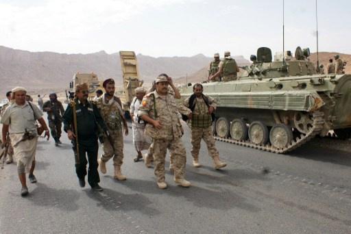 نجاة وزير الدفاع اليمني ومسؤولين آخرين من كمين لمسلحي