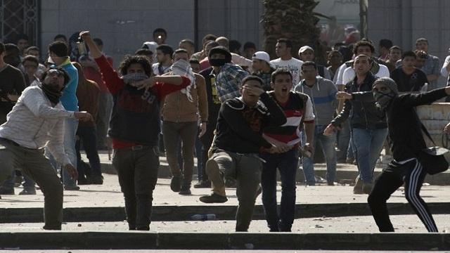 قوات الأمن المصرية تلقي القبض على 22 من أنصار الرئيس المعزول