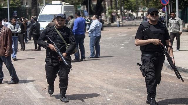 إحالة 200 من أنصار جماعة متطرفة للمحاكمة في مصر بتهة الإرهاب