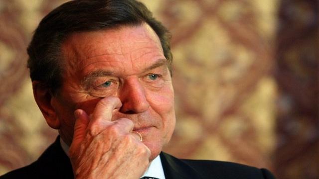 شرودر يحذر بلدان الغرب من تشديد العقوبات على روسيا