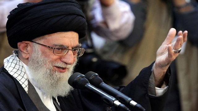 خامنئي: من الحماقة أن يتوقع العدو تقييد البرنامج الصاروخي الإيراني