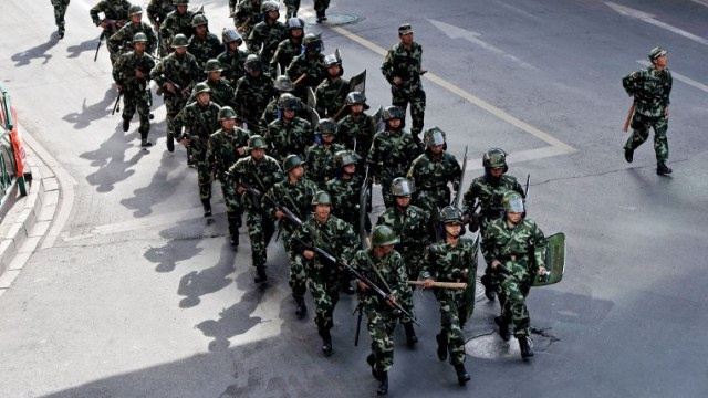 موجة اعتقالات في منطقة شينجيانغ في الصين بسبب اشرطة فيديو