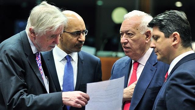 الاتحاد الأوروبي يوسع العقوبات ضد روسيا ويدعو إلى
