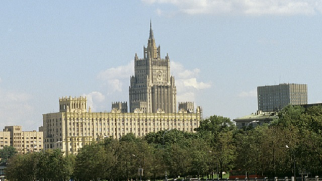 روسيا تطالب كييف بوقف العمليات العقابية في جنوب شرق البلاد ورفع الحصار عن المدن