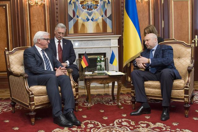 شتاينماير يأمل بأن يساعد الحوار الوطني على تسوية الوضع في أوكرانيا