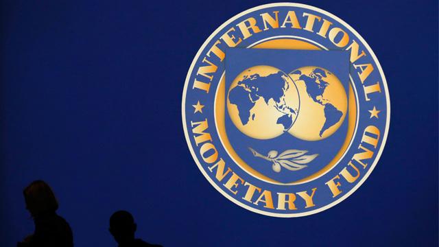 صندوق النقد: تدهور العلاقة الاقتصادية بين موسكو وكييف يشكل خطرا على استقرار أوكرانيا