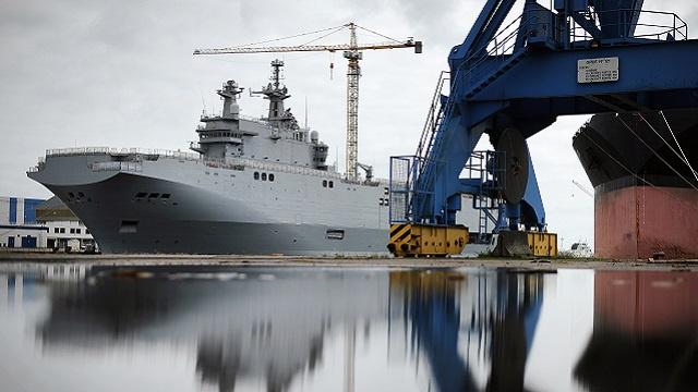 موسكو: باريس تتسلم من روسيا بانتظام الدفعات المالية عن صفقة