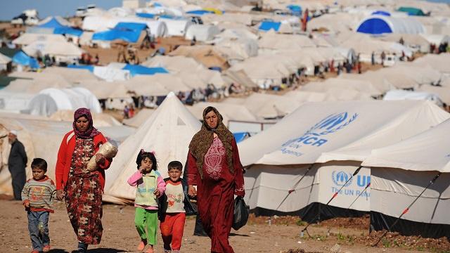 تقرير: نزوح 9.5 ألف شخص يوميا بسبب الأزمة في سورية.. أي عائلة واحدة كل دقيقة