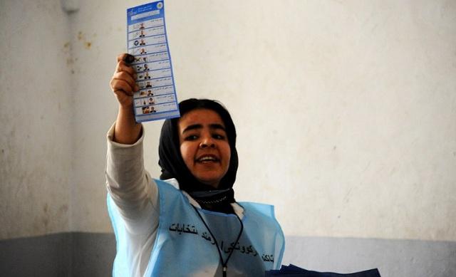 أفغانستان.. عبد الله وأحمد زاي إلى الجولة الثانية من انتخابات الرئاسة